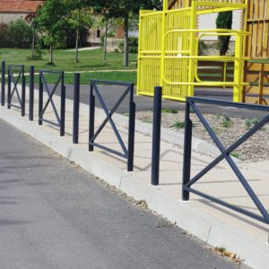 Barrière de ville croix de Saint André - Mobilier urbain Signaux girod