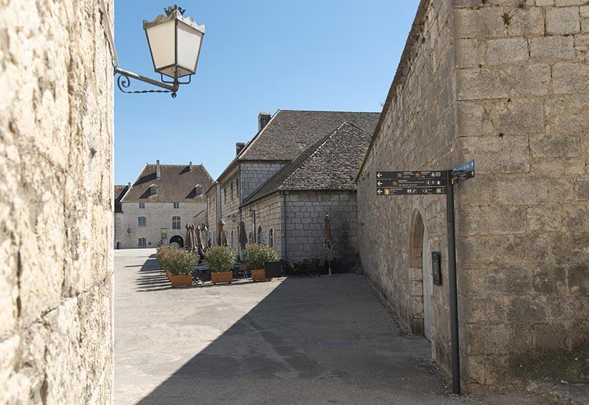 Signalétique sur mesure citadelle Besançon réalisé par Signaux Girod