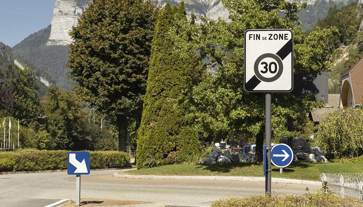 Signalisation de police - panneau routier - Signaux Girod