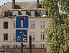 Panneau de signalisation zone rencontre - Aménagement collectivité