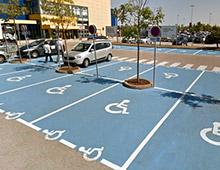 Place de parking PMR - aménager votre centre commercial signaux girod