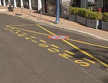 Marquage au sol zone de stationnement interdit - signaux girod Aménager votre entreprise privée