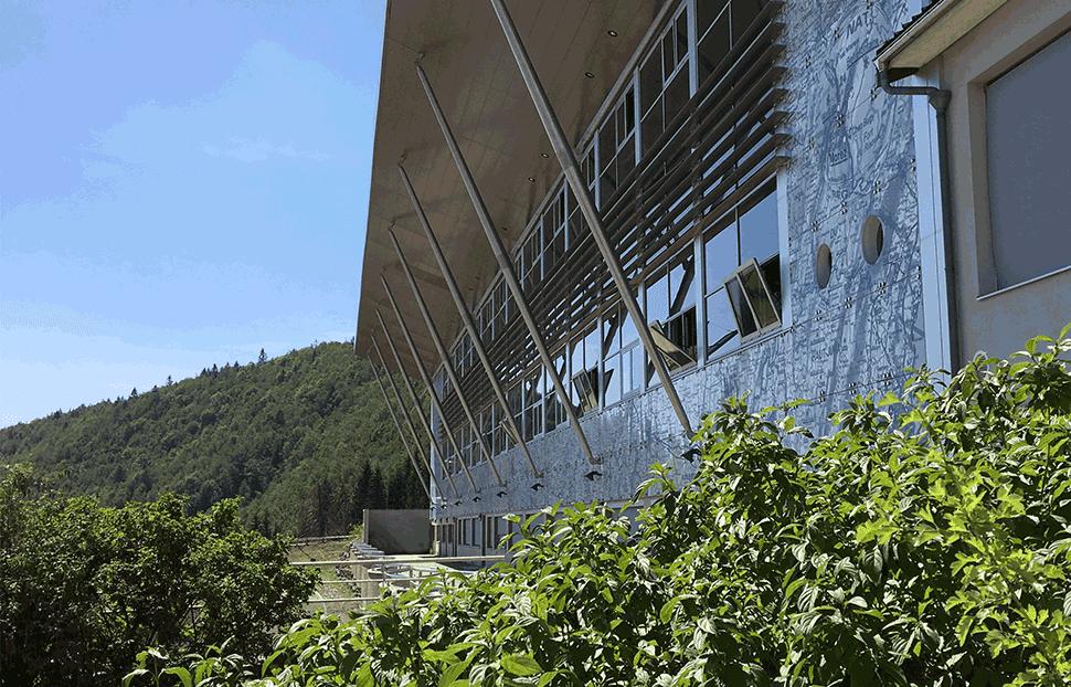 Usine de production Signaux Girod, fabricant Français de signalisation