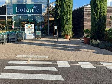 marquage au sol et accessibilité parking botanic