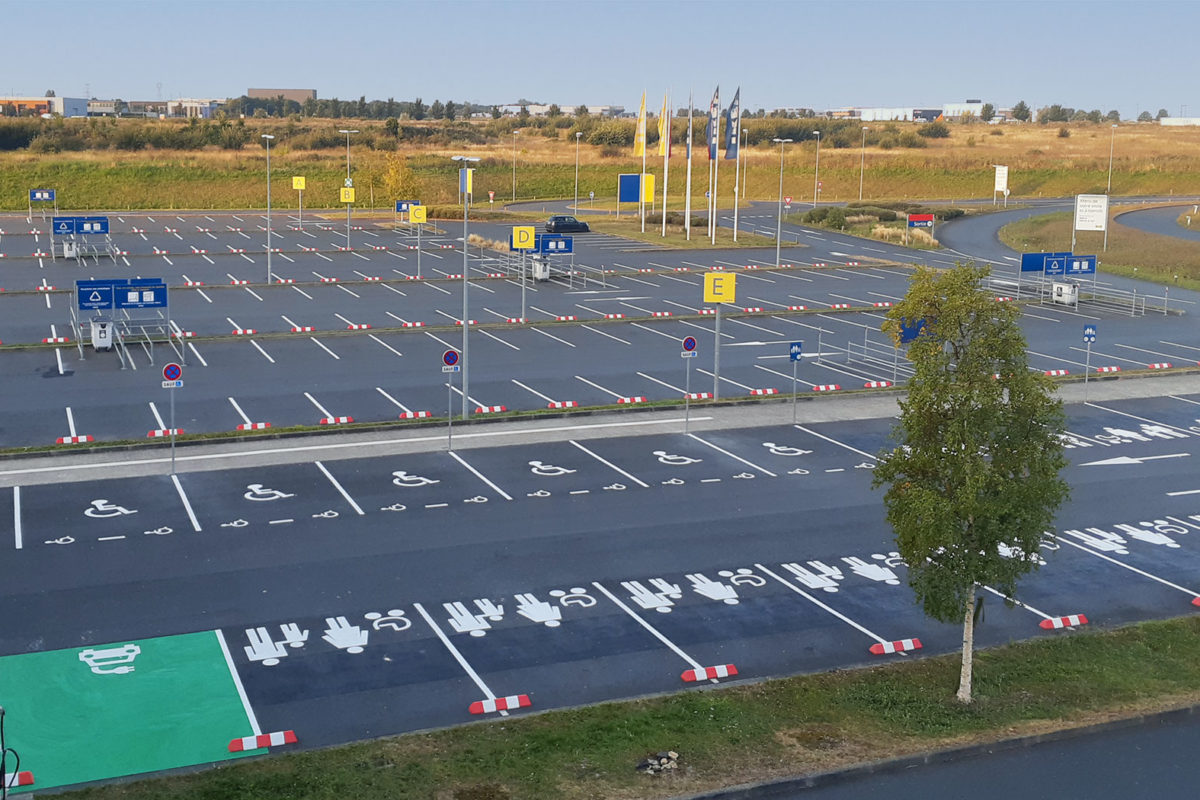 Marquage au sol parking Ikéa à Caen